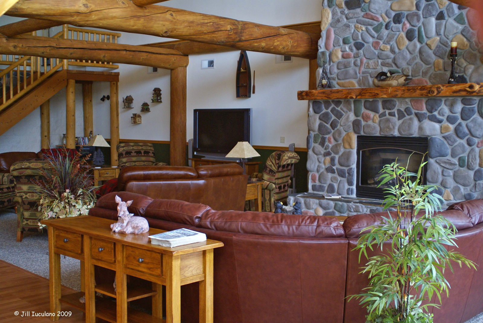 skookum_lodge_foyer2